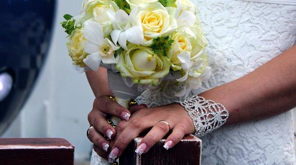 Маникюр невесты.